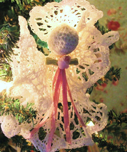 Vintage Victorian Angel Ornament :: Free #Crochet Angel Patterns