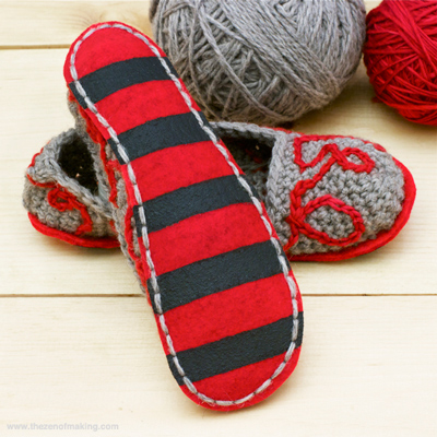 7 Great Ways to Make your #Crochet and #Knit Slippers Non Slip! All kinds of handy ideas here!