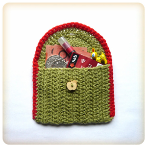 Little Treasures Bag :: Great free #crochet gift patterns that take 100 yds of yarn or less!