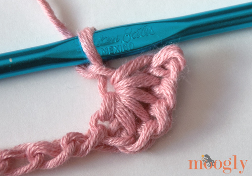Learn how to #crochet the Star Stitch with this video and photo tutorial from Moogly!
