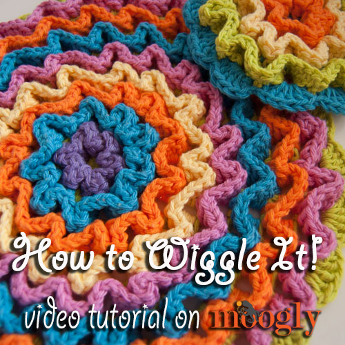 Crochet Patterns Video Tutorial : Learn Wiggly Crochet in the Round! #crochet video tutorial on Moogly!