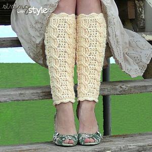 Cables of Love Leg Warmers: Free #crochet leg warmers pattern