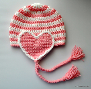 Crochet Valentine Earflap Hat: Crochet some love for Valentine's Day! Get 10 free #crochet patterns for your Valentine at Moogly!