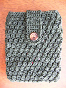 Greensleeves Tablet Cozy: Free #Crochet Pattern