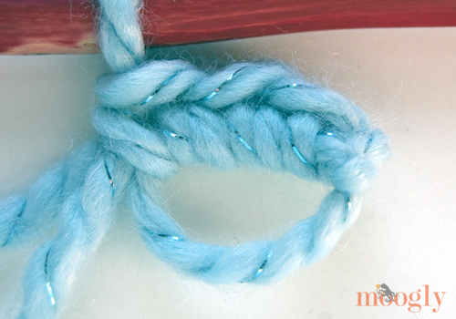 Linked Double Crochet in a Spiral: Video and Photo Tutorial on Moogly!