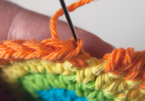 Standing Half Double Crochet: Starting a row of HDC without a slip stitch and chain!