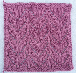 A Dozen Hearts: Free #Knit Afghan Square roundup on Moogly!