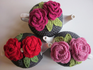 Leah's Rose Tea Cozy: Get 10 free #crochet tea cozy patterns... aka tea cosy patterns! :D Roundup of gorgeous patterns at Moogly!