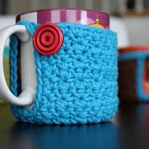Mug Coaster Cozy: Free #crochet mug cozies in a variety of styles in a roundup on Moogly!