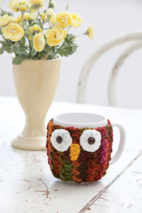 Owl Mug Wrap: Free #crochet mug cozies in a variety of styles in a roundup on Moogly!