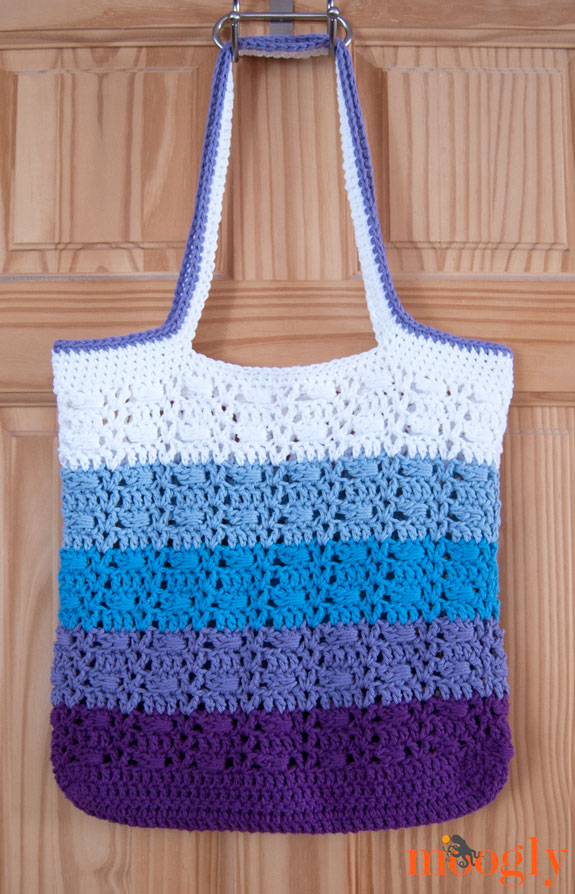 Easy Crochet Tote Bag Pattern : Wrapped Ombre Tote Bag: free #crochet pattern from Moogly! ?