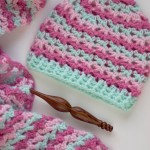 Now there's a Loopy Love Hat! Get the free #crochet pattern for the hat in 5 sizes - and the blanket in 7 sizes! From mooglyblog,com
