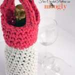 T-shirt yarn and a Q hook make the Girls Night Out Champagne & Wine Carrier a super fast and fun #crochet project! Free pattern from Mooglyblog.com