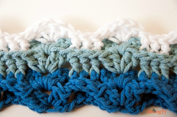 Little Waves #Crochet Applique - free pattern from Mooglyblog.com