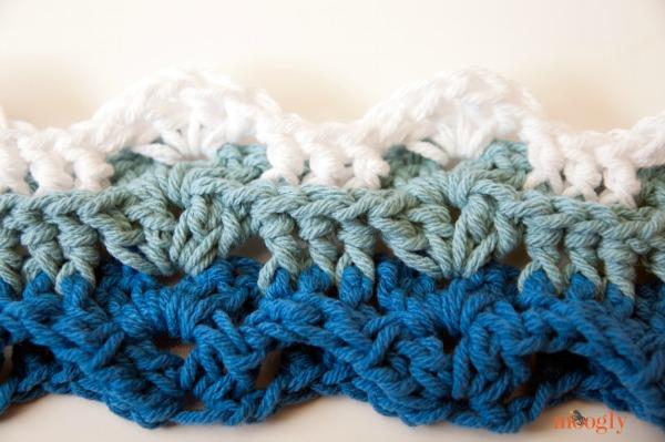 Little Waves #Crochet Applique - free pattern from Mooglyblog.com
