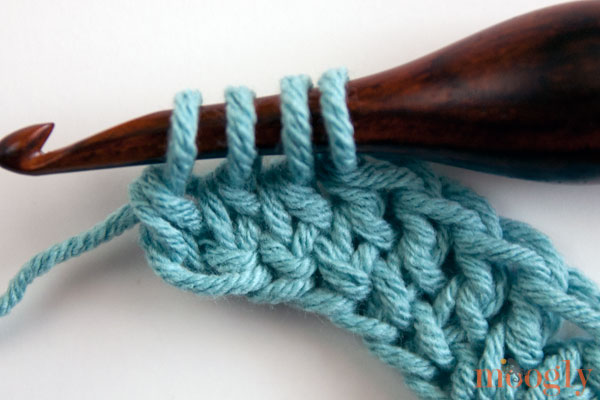 Yes, you can increase and decrease while making Foundation #Crochet Stitches! Learn all about it in this video and photo tutorial from Mooglyblog.com