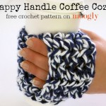 The Happy Handle Coffee Cozy is the perfect gift for any coffee lover - because a gift card fits right in! Get the free #crochet pattern on Mooglyblog.comThe Happy Handle Coffee Cozy is the perfect gift for any coffee lover - because a gift card fits right in! Get the free #crochet pattern on Mooglyblog.com