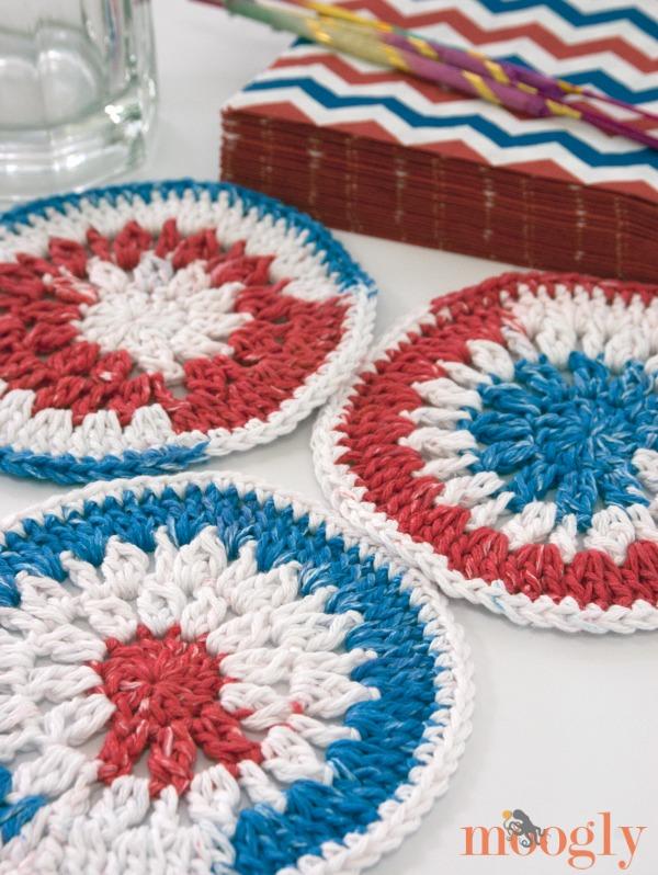 Stars & Stripes & Clusters Mini Mandalas - free #crochet pattern on Mooglyblog.com