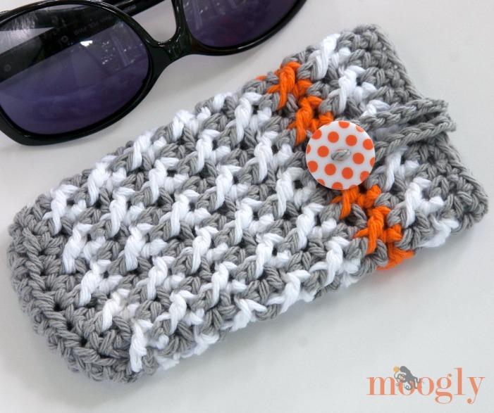 Manchester Handbag and Sunglasses Case - two free #crochet patterns from Mooglyblog.com!