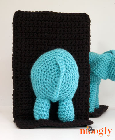 Crochet Elephant Bookends! Free #crochet pattern from Mooglyblog.com