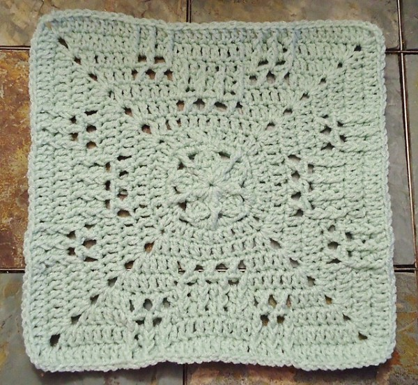 Moogly Afghan CAL 2014 Block #17 - Hugging the Stars!