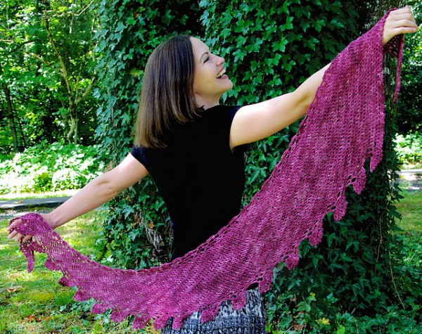 Rowan Berry Shawlette by Laurinda Reddig - #crochet pattern available for purchase on Ravelry