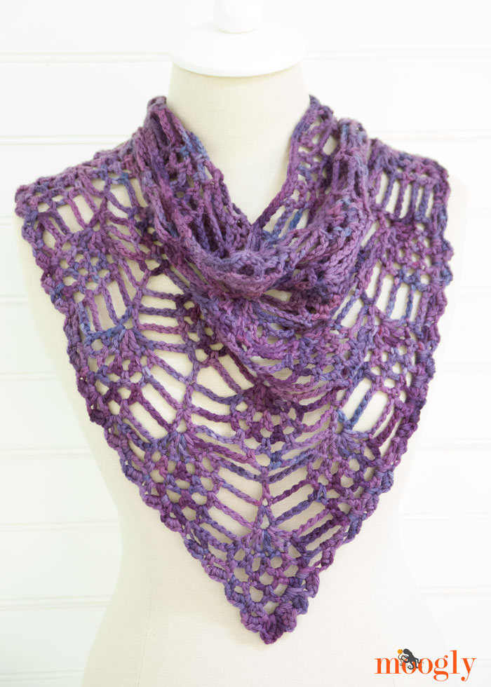 Berry Harvest Bandana Cowl - free #crochet pattern on Moogly!