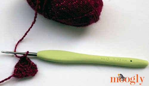 Win a set of Clover Amour Steel Crochet Hooks on Moogly! Open to residents of the US and Canada, the giveaway ends 10/7/14 at 12:15am Central time. #crochet #giveaway
