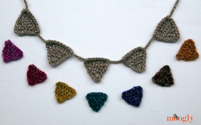 #Crochet Bunting Necklace - free pattern on Mooglyblog.com! Fun to wear, and super cute as garland on tiny table trees!