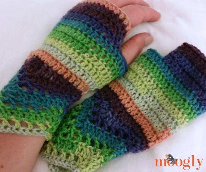 Chevron Lace Fingerless Mitts Free Crochet Pattern