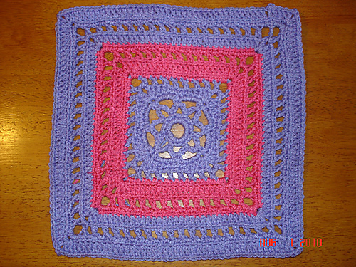 Block #21 for the Moogly 2014 Afghan CAL! Manny Ann's Square