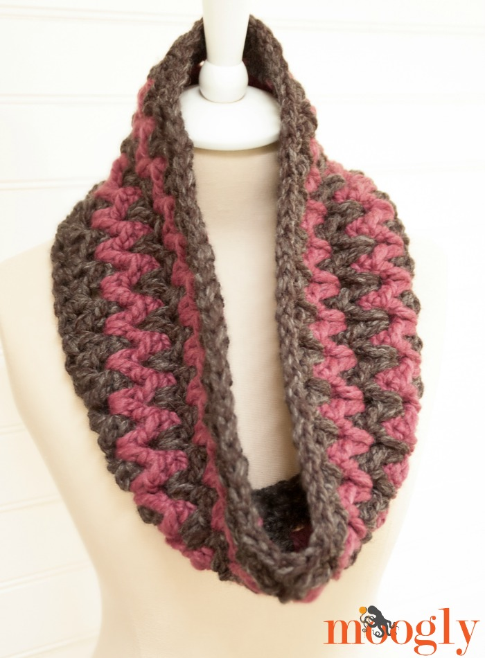 Stormy Weather Cowl - free #scarfie #crochet pattern on Moogly! Featuring @lionbrandyarn ♥