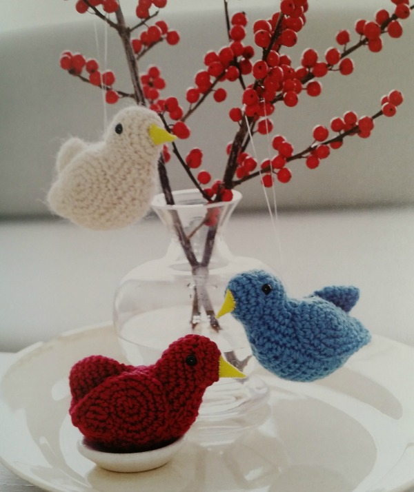 """Win """"Christmas Crochet"""" by Edie Eckman on Moogly! Open to US residents only, giveaway ends 11/14/14 at 12:15am!"""