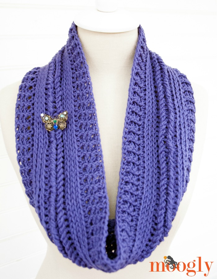Free #Crochet Pattern: Ups and Downs Cowl!