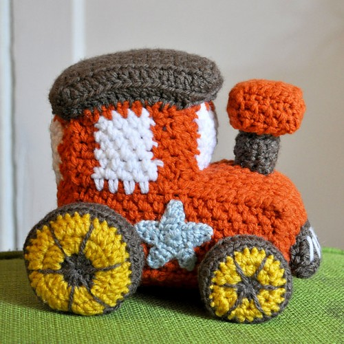 Knitting Pattern For Toy Train : Free Crochet Patterns on the Move: Planes, Trains, and Boats! - moogly