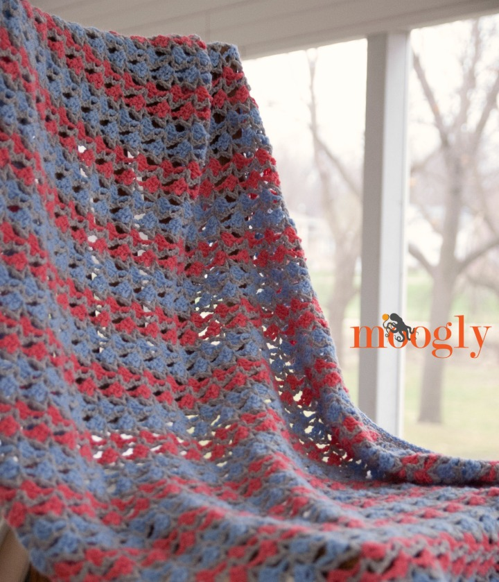 Neptune's Stripes Blanket - free crochet pattern in 5 sizes on Moogly!