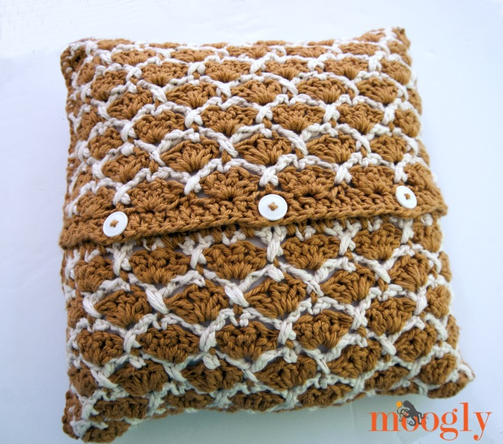 Sunshine Lattice PIllow - free crochet pattern on Mooglyblog.com!