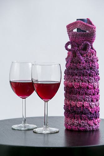 Grapey Goodness Wine Cozy by Tamara Kelly (photo courtesy of I Like Crochet magazine)
