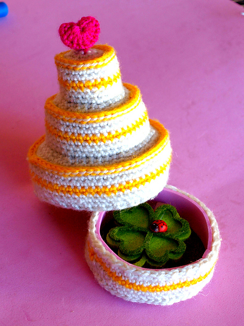 Knitted Birthday Cake Pattern
