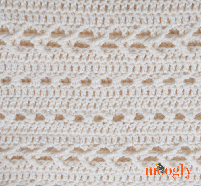 Perfect Fall Poncho - free crochet pattern on Mooglyblog.com