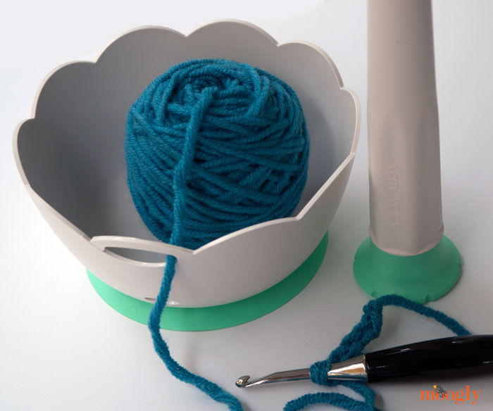 Win a Yarn Valet yarnballWinder and yarnBowl on Mooglyblog.com! 2 winners, open worldwide, ends 11/3/15!
