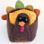Tasty Turkey Basket - free crochet pattern on Mooglyblog.com! Happy Thanksgiving!