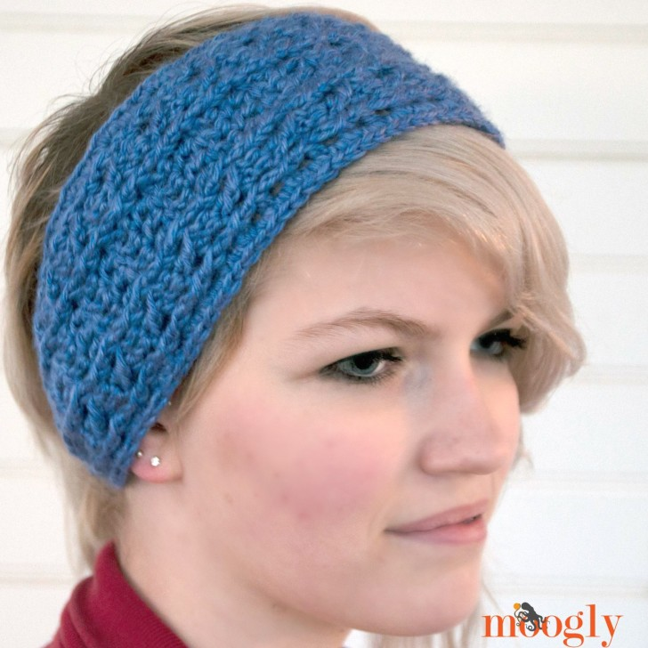 Warm Cabled Headwarmer/Ear Warmer - free crochet pattern on Mooglyblog.com!