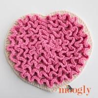 Love Wiggles - free crochet trivet and inspiration pattern on Mooglyblog.com!