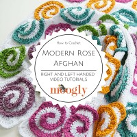 Learn how to crochet the Modern Rose Afghan - free on Mooglyblog.com! Right and left handed video tutorials included@