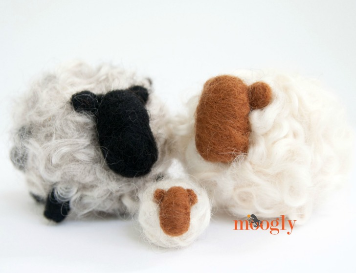 Love these Romney Ridge Yarns & Wool Felting Kits! Enter to win one on Moogly! Giveaway ends 7/25/16 and is open worldwide!