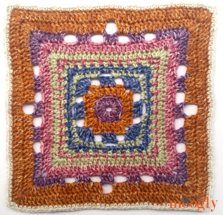 Block #15 in the 2016 Moogly CAL is up, courtesy of The Stitchin' Mommy! Join the free CAL on Mooglyblog.com!