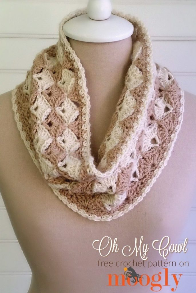 Oh My Cowl - free crochet pattern on Mooglyblog.com!