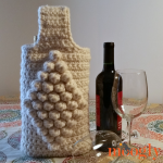 Celebration Wine Bag - holds 2 bottles! Free one skein crochet pattern on Mooglyblog.com!