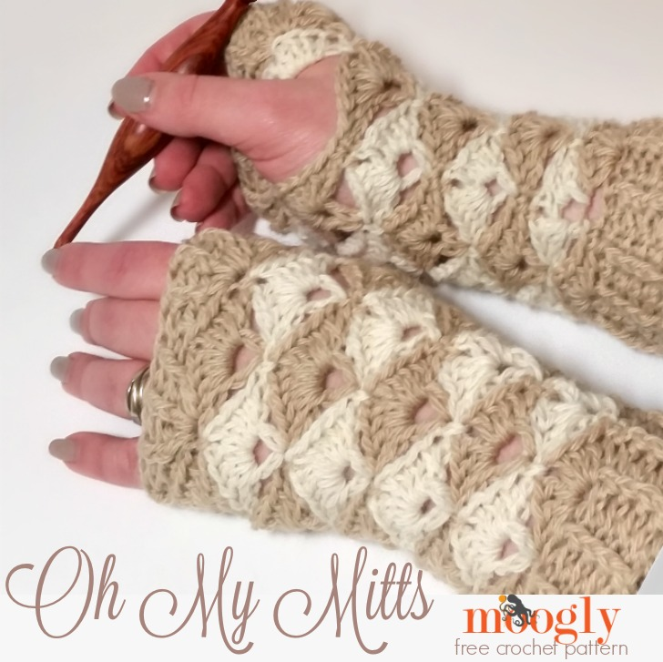 Oh My Mitts: free crochet pattern on Mooglyblog.com! There's a matching hat and cowl too! (all free crochet patterns!)